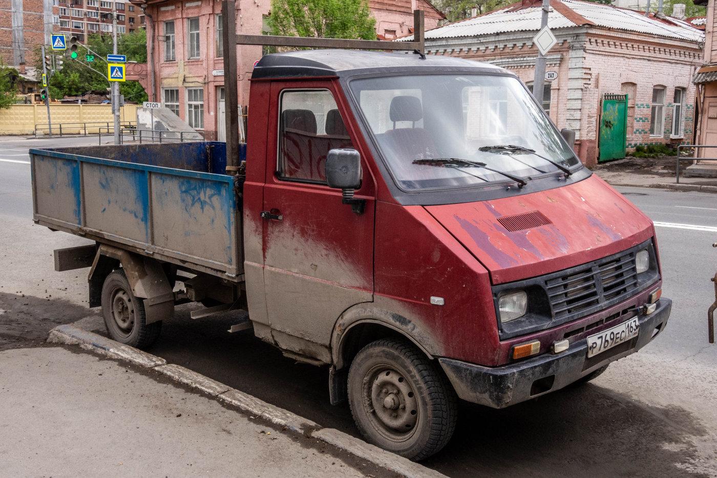грузовой автомобиль БелАЗ-Lublin-33522 #Р769ЕС163. г. Самара, ул. Самарская