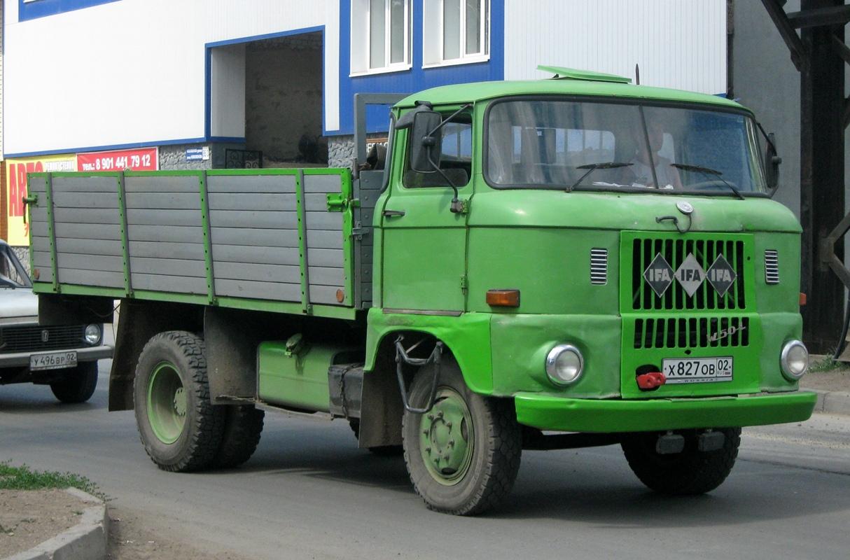 Автомобиль IFA W50L. Башкортостан, г. Уфа, улица Новоженова