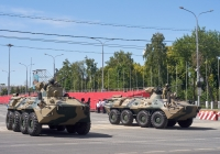 бронетранспортер БТР-80А парадного расчета. г. Самара, ул. Вилоновская