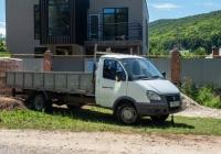 грузовой автомобиль ГАЗ-330202-288 #Р949КК163. Самарская область, с. Солнечная Поляна, ул. Комсомольская