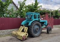 Трактор Т-40*. Приднестровье, Слободзейский район, село Кицканы, улица 50 лет Октября