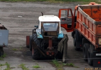 Экскаватор-бульдозер ЭО-2621А(?) на базе трактора ЮМЗ-6АКЛ. Алтайский край, Камень-на-Оби, улица Кондратюка