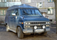 Микроавтобус Chevrolet Chevy Van #М 903 ЕХ 60. Псков, Красноармейская улица