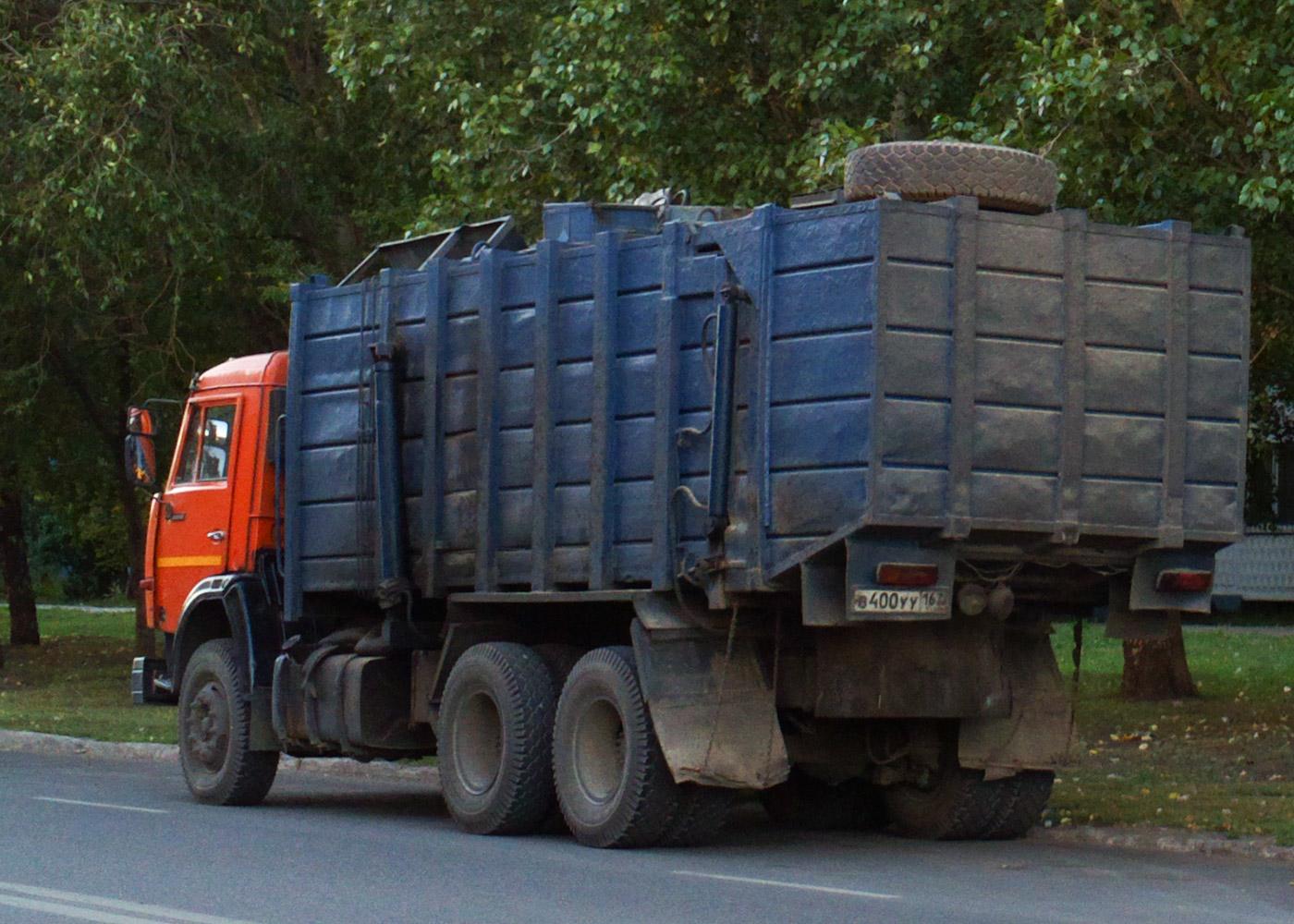 Мусоровоз КО-415А на шасси КамАЗ-53215 #В400УУ163. Самара, улица Тополей