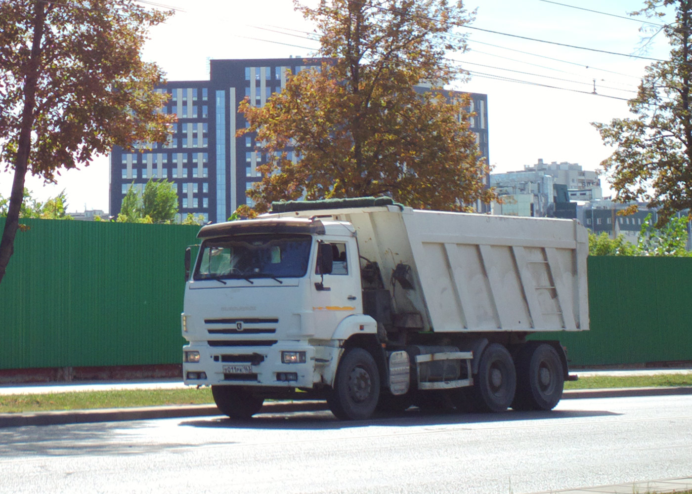 Самосвал КамАЗ-6520 #У011РК163. г. Самара, ул. Мичурина