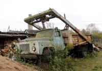 Портальный погрузчик ЦПКТБ-А853 на шасси ГАЗ-53-12. Псковская область, Палкинский район, Новая Уситва