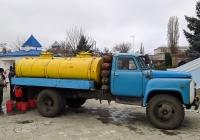 Автоцистерна-молоковоз на шасси автомобила ГАЗ-53*. Приднестровье, Тирасполь, территория Покровской церкви