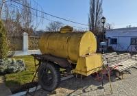 Бочка-прицеп для кваса. Приднестровье, Тирасполь, территория Покровской церкви