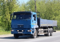 Бортовой грузовик КамАЗ-65117-N3 #К 522 КВ 60. Псков, улица Советской Армии