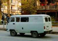 УАЗ-3909 #С340РВ163. Самара, Революционная улица