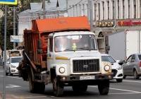 Мусоровоз КО-440 на шасси ГАЗ-3309 №Н 834 МТ 33. Владимир