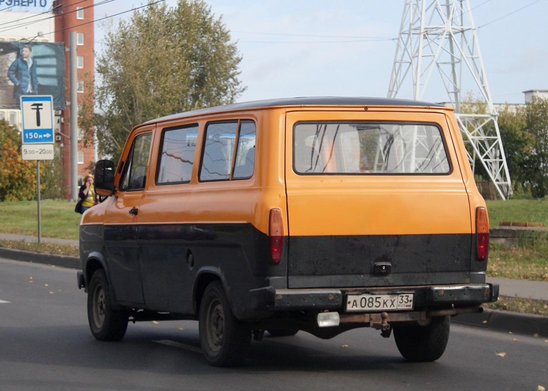 Ford Transit #А 085 КХ 33. Владимир, Большая Нижегородская улица