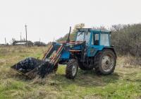 Трактор МТЗ-80* с фронтальным погрузчиком. Самарская область, Ставропольский р-н, с. Осиновка