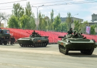 БМП-2 парадного расчета. г. Самара, пл. им. В. В. Куйбышева