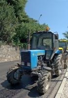 Трактор Беларус-82.1 (МТЗ-82.1). Республика Крым, г.о. Ялта, Мисхор, Алупкинское шоссе