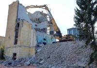 Экскаватор Caterpillar Cat 330D* с бетоноломом. г. Самара, ул. Ново-Садовая, территория бывшего завода ЗиМ