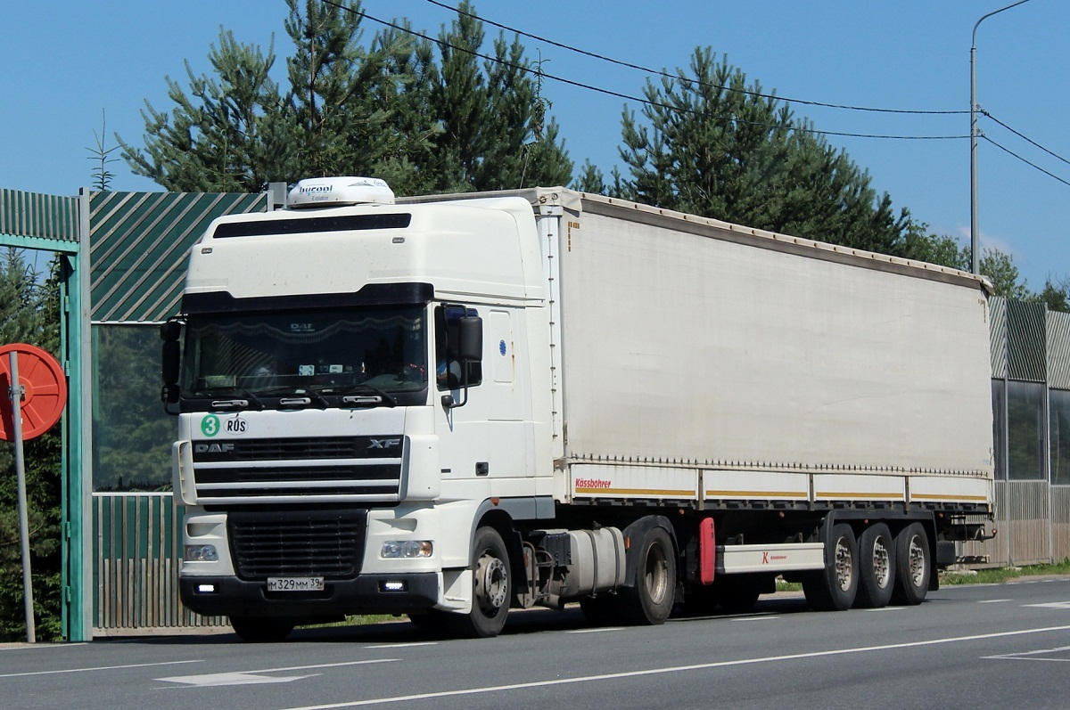 Седельный тягач DAF XF FT 95 #М 329 ММ 39. г. Псков, Ленинградское шоссе